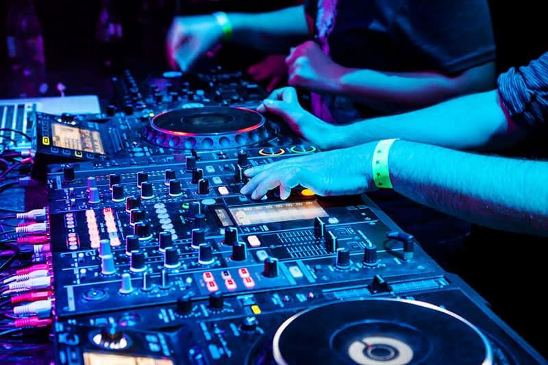Full DJ club gear