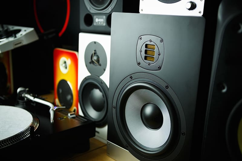 Phot of different sized studio monitors