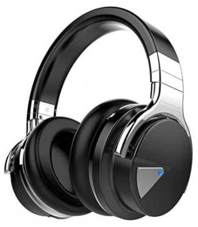 Three quarter view of a pair of Cowin E7 headphones